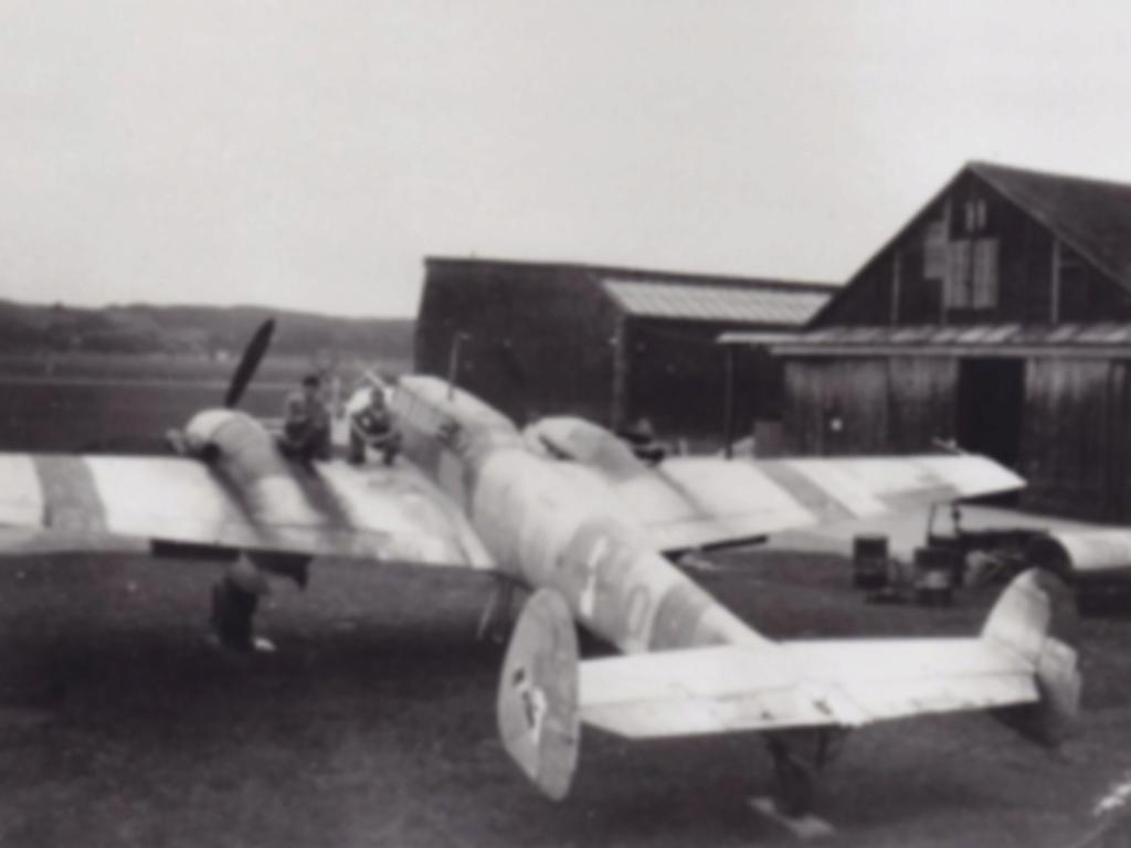 Bf 110 G-4/B2 W.Nr. 5547 aux couleurs Suisse (Eduard 1/48)  Me110_11