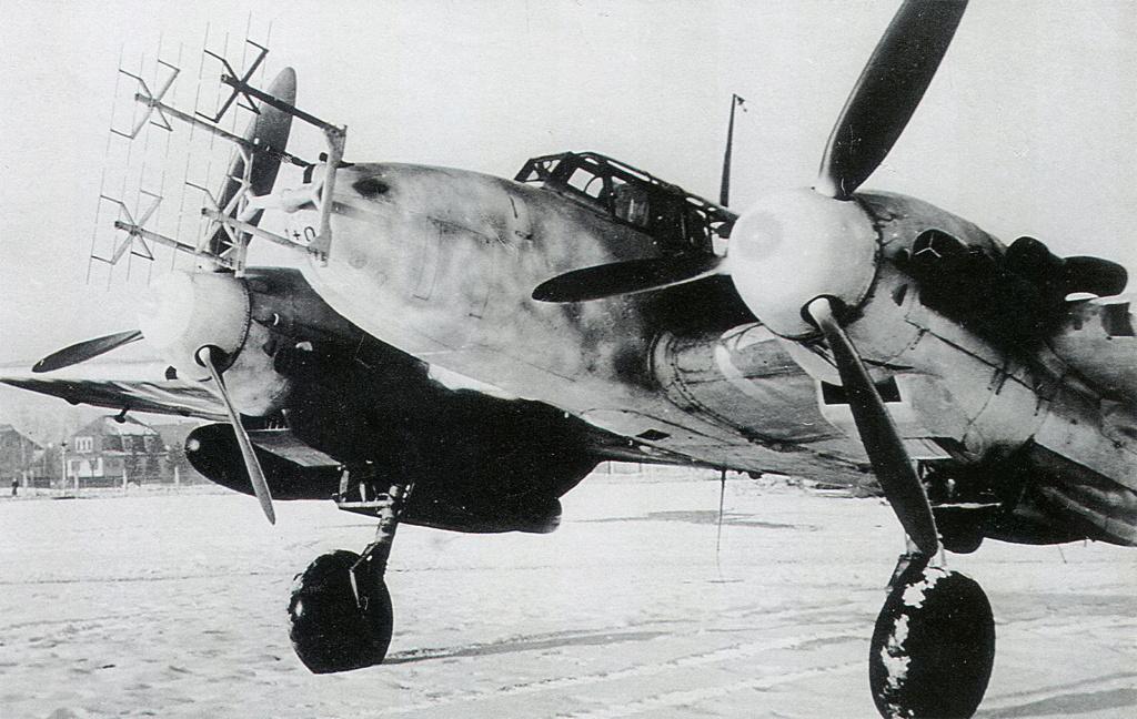 Bf 110 G-4/B2 W.Nr. 5547 aux couleurs Suisse (Eduard 1/48)  Messer11