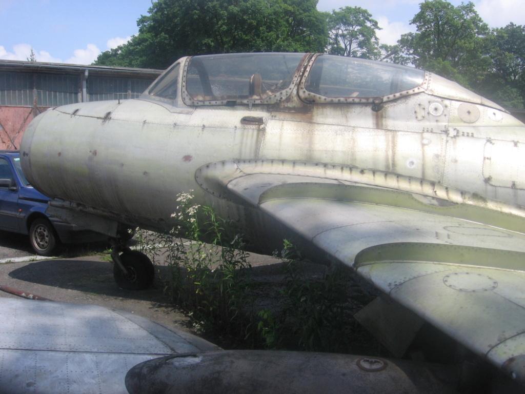 MiG-15 UTI (Trumpeter 1/48)  Mg_01910