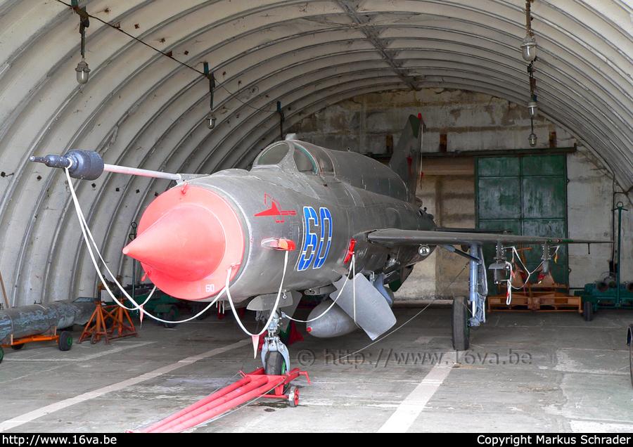 MiG-21 MFN (Eduard 1/48) - Page 3 Mig-2110