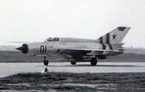 Défi passion : MiG-21 RFMM Izdeliye 94A Fishbed F ( Eduard + Bidouille 1/48 ) - Page 2 Mig-2113