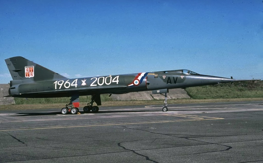 """Fil Rouge 2021 * Mirage IV A n°31/BD """"Opération Tobus """" (Heller 1/48)  - Page 2 Mirage20"""