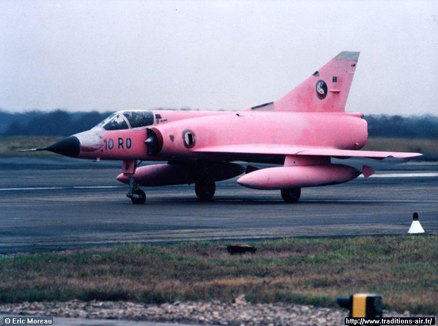 Mirage III C Rose EC 02-010 Seine (Hobby Boss 1/48)  Ob_5fd12