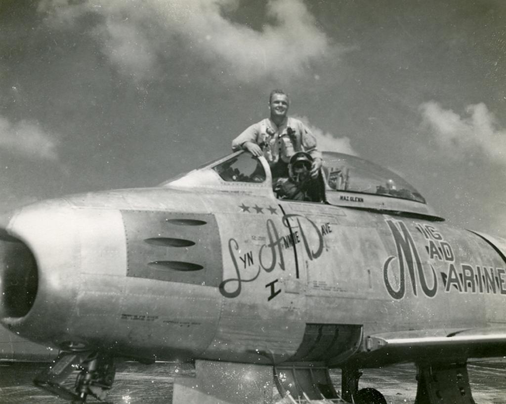 """North American F-86F-30 """"MiG Mad Marines"""" (Eduard 1/48) Oca_gl11"""