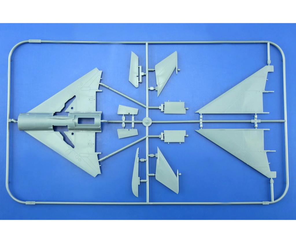 "MiG-21PF (Eduard  réf 1187 ""Silver Harrows "" 1/48)  P10"