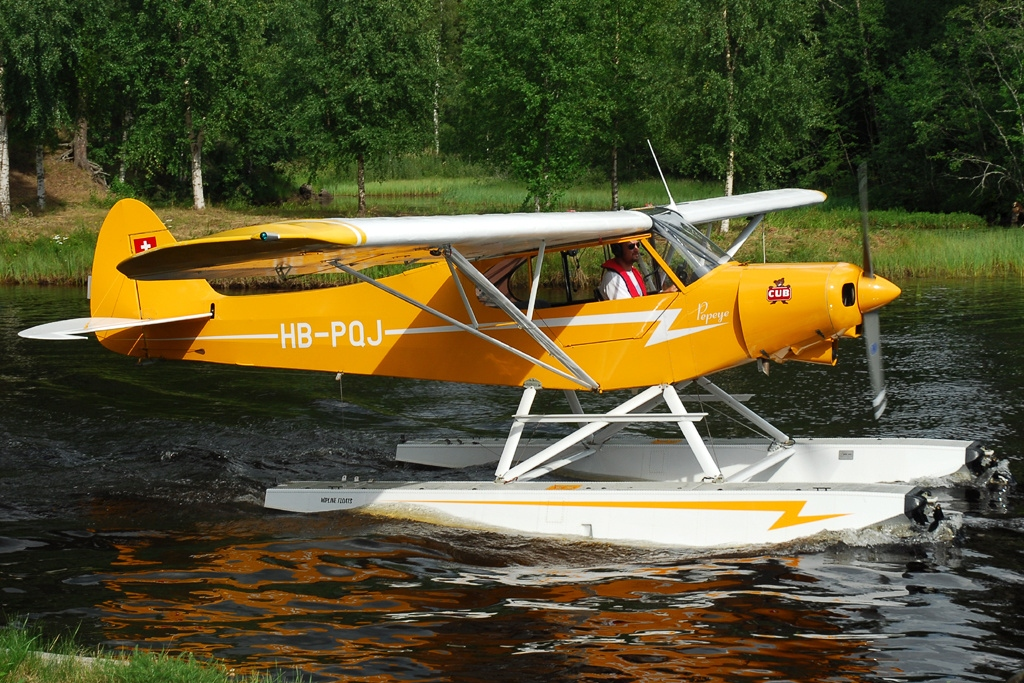 "Piper PA-18-150 "" Super Cub"" Float Plane (Revell 1/32) Piper_12"