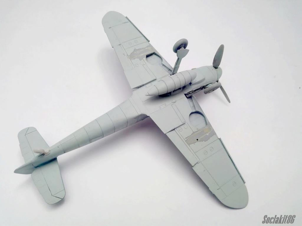Bf 109 G-6 Hongrois V-8+71 du l'escadron de chasse 4/101 ( Octobre 1944) Hasegawa 1/48 +Décals Aviation USK R0110