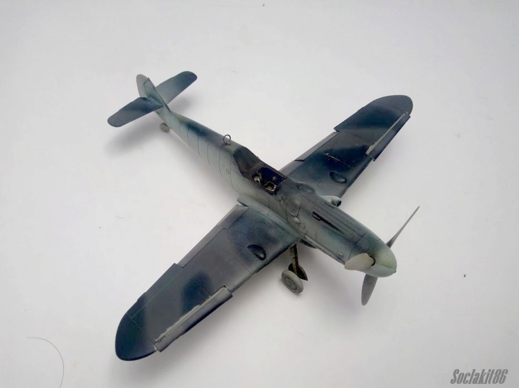 Bf 109 G-6 Hongrois V-8+71 du l'escadron de chasse 4/101 ( Octobre 1944) Hasegawa 1/48 +Décals Aviation USK R0310