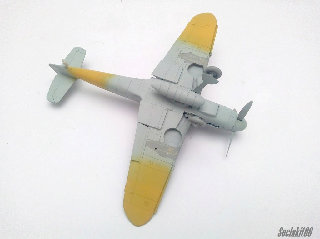 Bf 109 G-6 Hongrois V-8+71 du l'escadron de chasse 4/101 ( Octobre 1944) Hasegawa 1/48 +Décals Aviation USK R1010