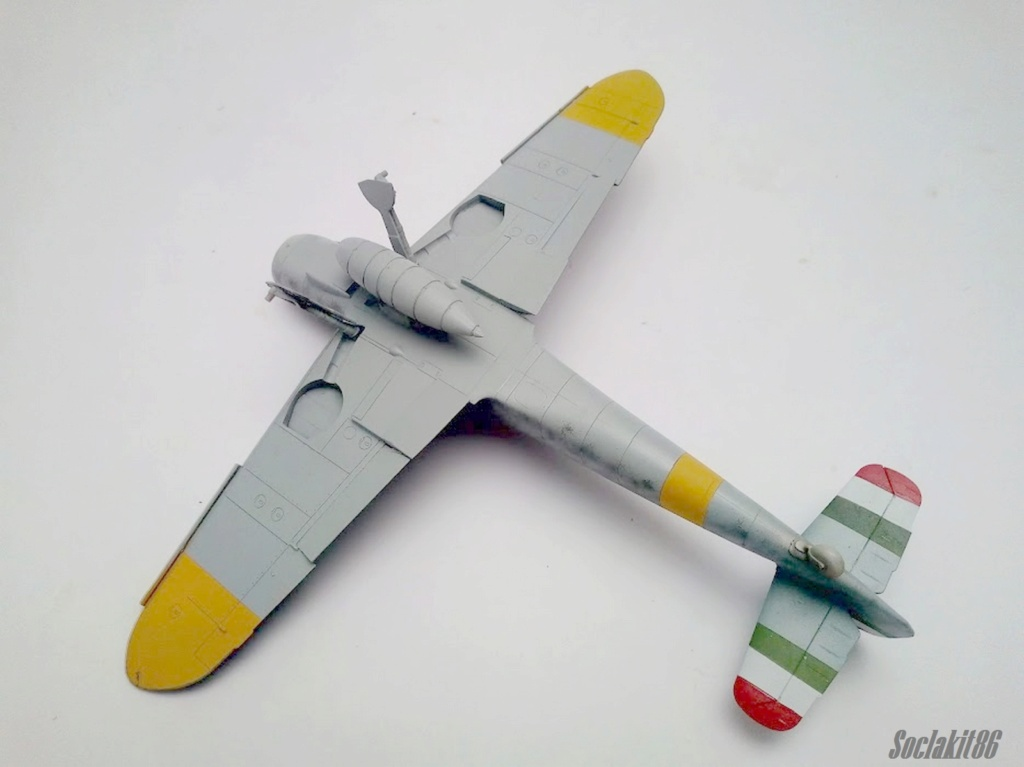 Bf 109 G-6 Hongrois V-8+71 du l'escadron de chasse 4/101 ( Octobre 1944) Hasegawa 1/48 +Décals Aviation USK R2810