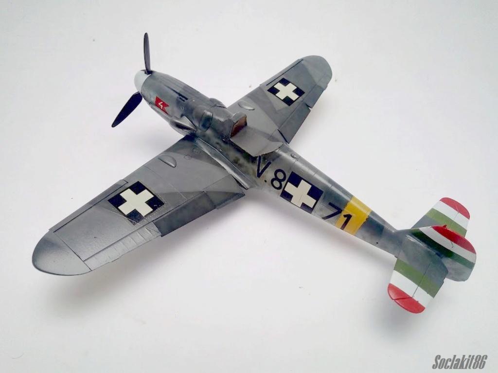 Bf 109 G-6 Hongrois V-8+71 du l'escadron de chasse 4/101 ( Octobre 1944) Hasegawa 1/48 +Décals Aviation USK R2910