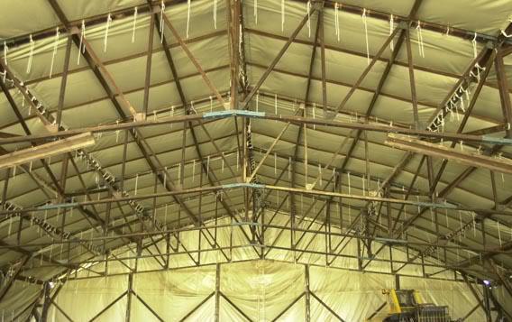 Hangar 1/72 ème pour la campagne de France . Roof2010