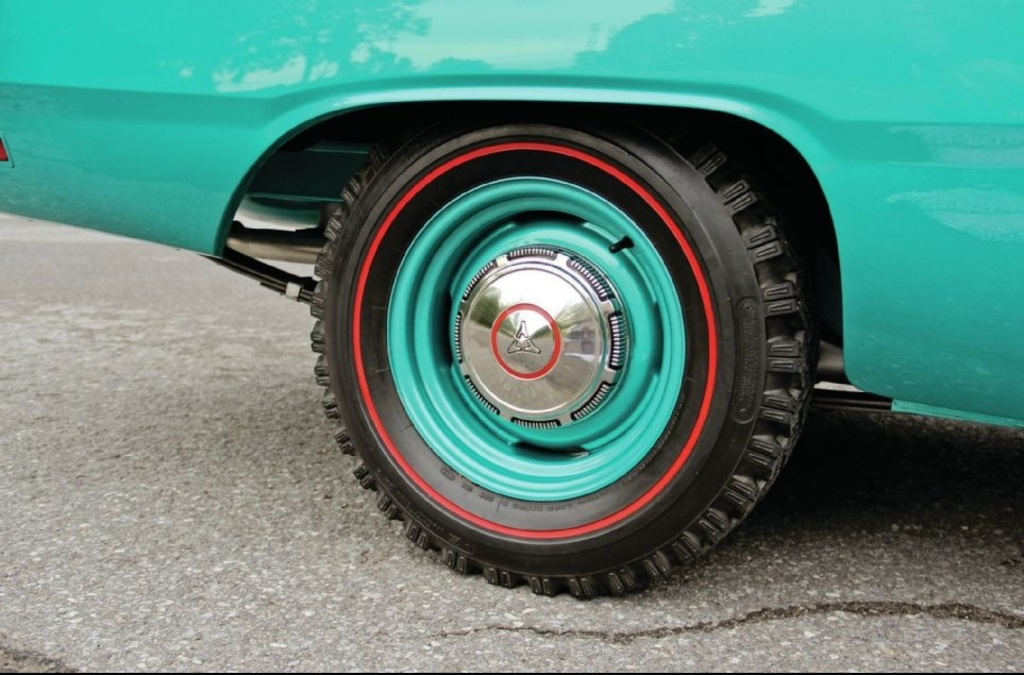 En 1969, les pneus Redline Snow étaient disponibles: Image10