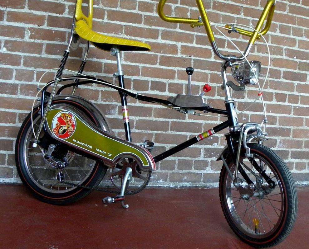 L'influence des muscle cars sur les vélos fabriqués par Murray. J'adore les pneus Redline! Zxcxc10