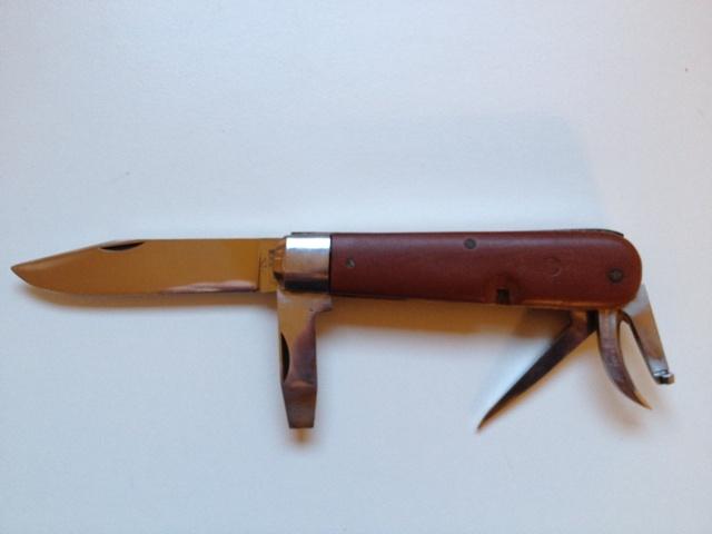 Evolution du couteau du soldat suisse Img_0210