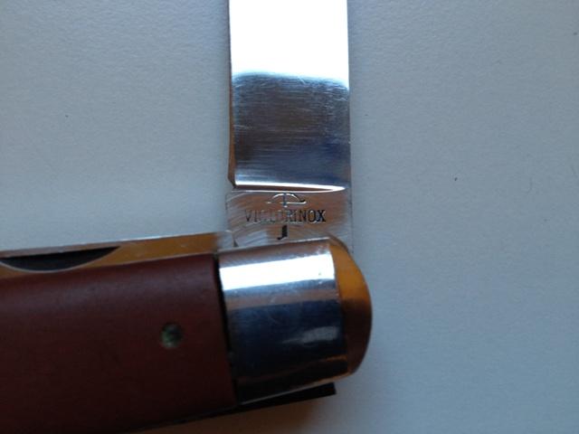 Evolution du couteau du soldat suisse Img_0211