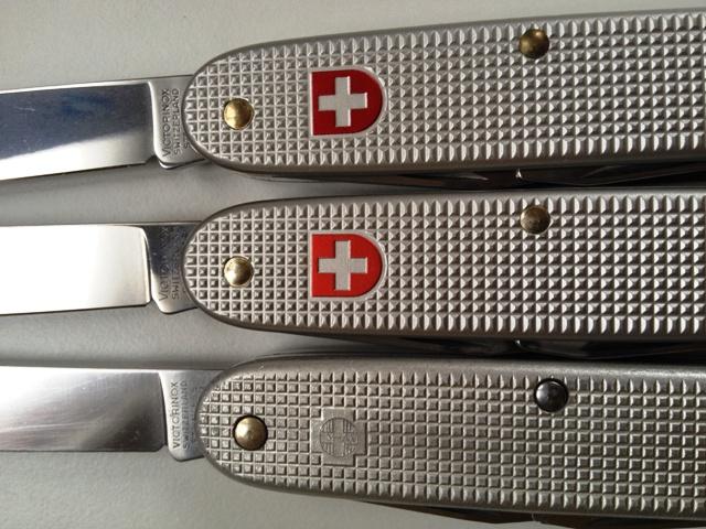 Evolution du couteau du soldat suisse Img_0512