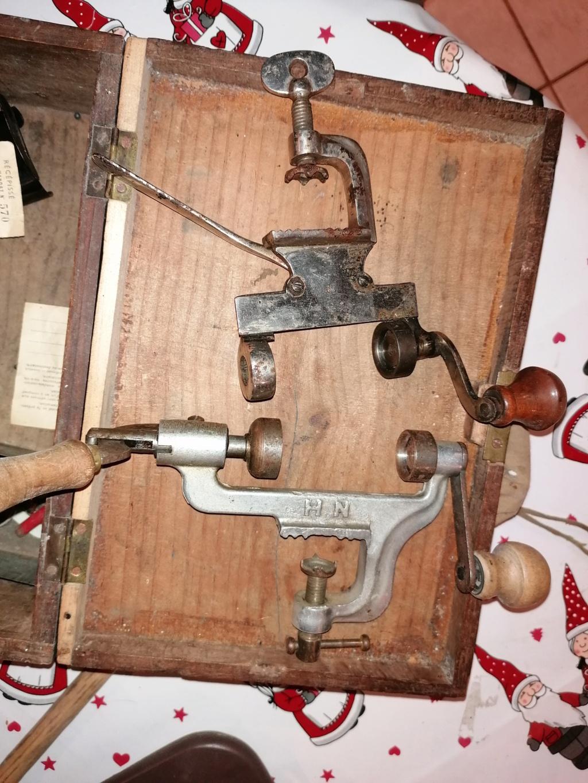 Anciens outils pour fabriquer des balles Img_2616