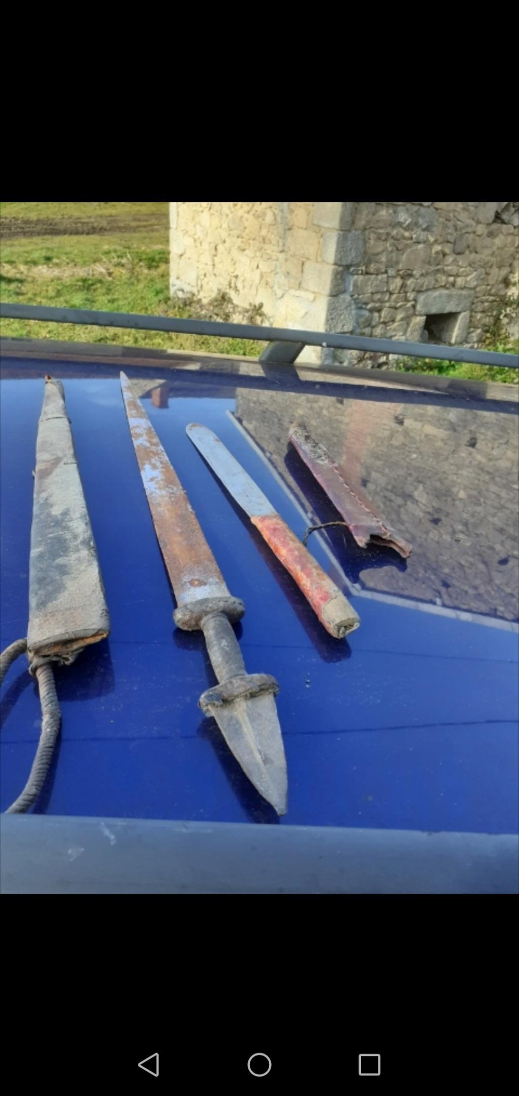 Grand couteau / épée ancienne ou fantaisie  Screen30