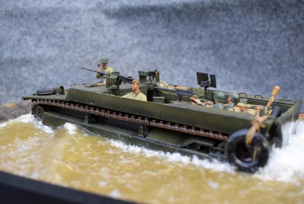 LvT4 en croisière sur le Rhin - Italeri - 1/35 Lvt4_l11