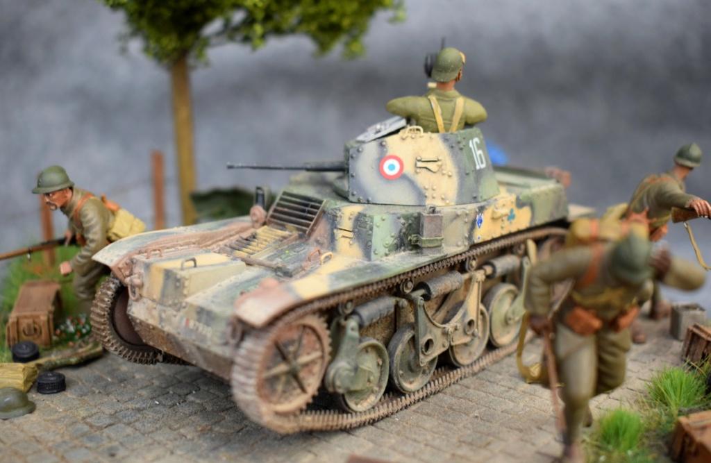 AMR-35 ... aux Abris !!!! - Blitz Kit 1/35 Www_wa13
