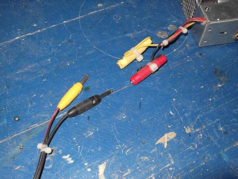 Alimentation pour viseuse 12 volts (batterie abimée) 610