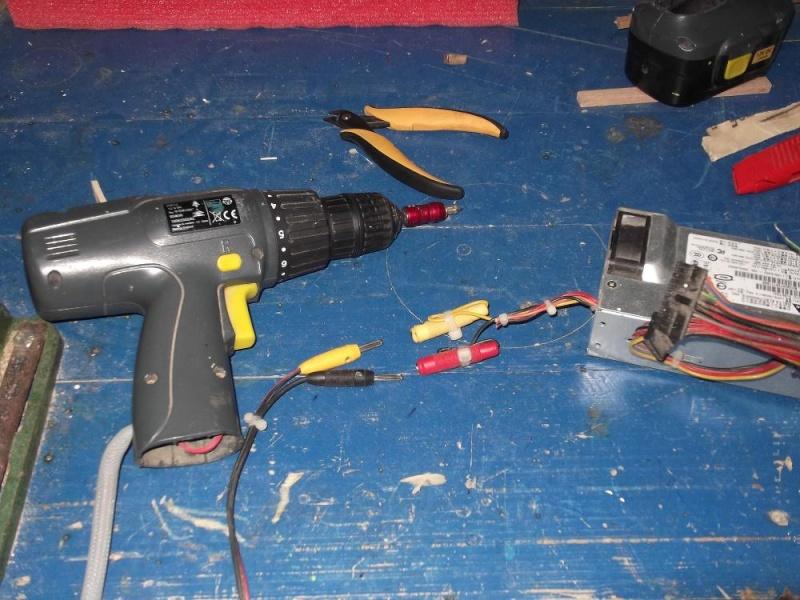 Alimentation pour viseuse 12 volts (batterie abimée) 711