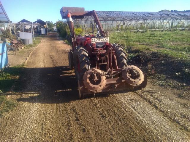 nouveau tracteur...IH 137 - Page 2 Img_2081