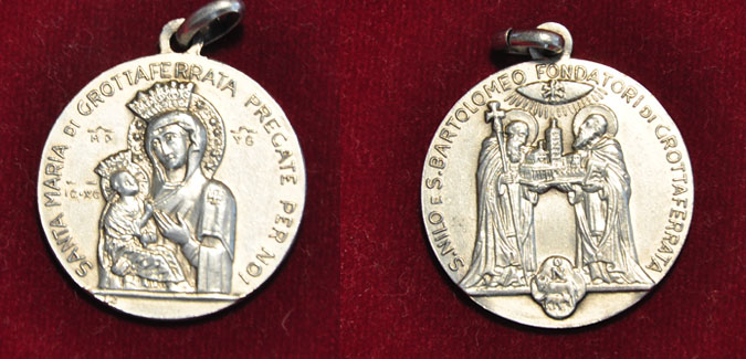 Virgen de Grottaferrata / Santos Nilo y Bartolomé - marca S.J- s. XX (AM) Grotta10
