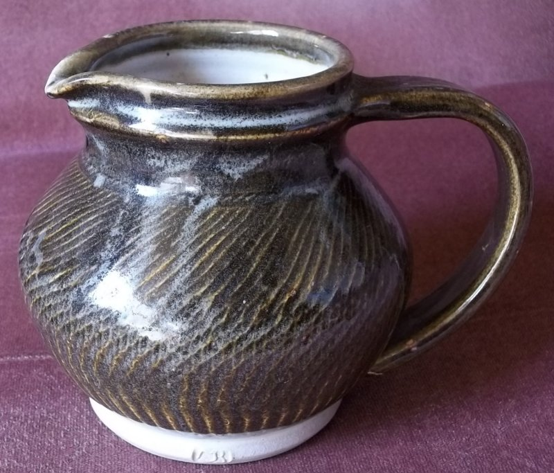 heavy stoneware jug MJR 100_4114