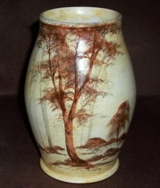 Radford Handcraft Pottery, Burslem. (E. Radford). 100_4157