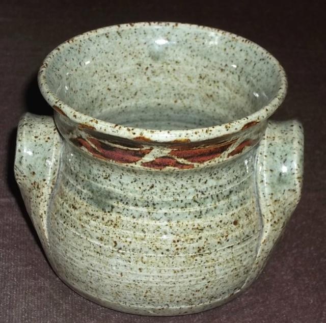 Stoneware pot BD? 100_4472