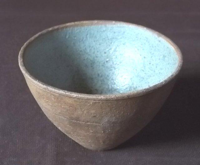 Stoneware teabowl, WT or TW. 100_4640