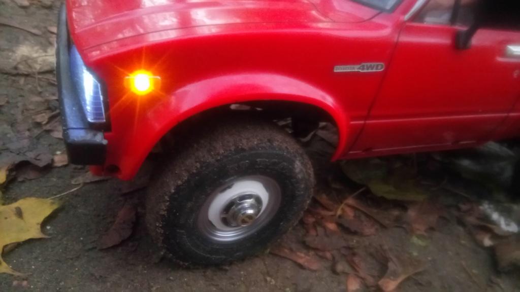 Les Toyota Hilux 2 & 4 portes RC4WD Trail Finder 2 RTR de Trankilou &Trankilette - Page 7 Dsc_6431