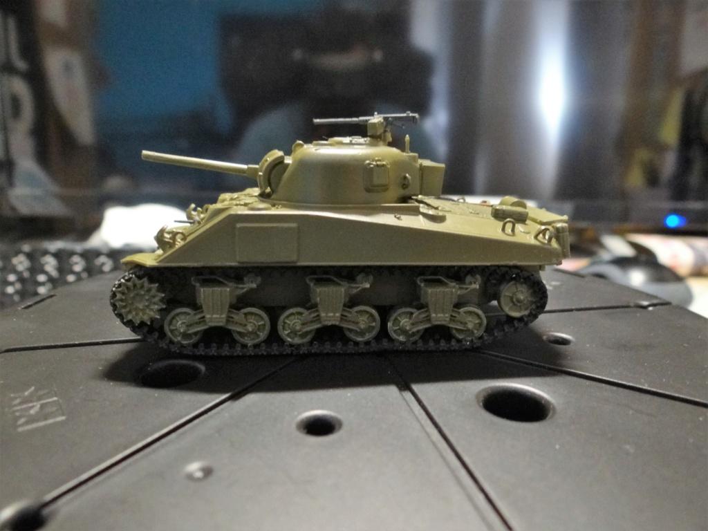 Sherman M4 heller 2e DB Heller 1/72  Dsc07425