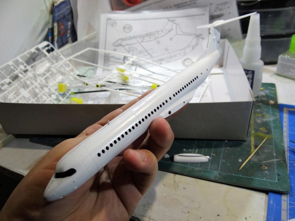 Fokker F100 TAT revell 1/144 Dsc07448
