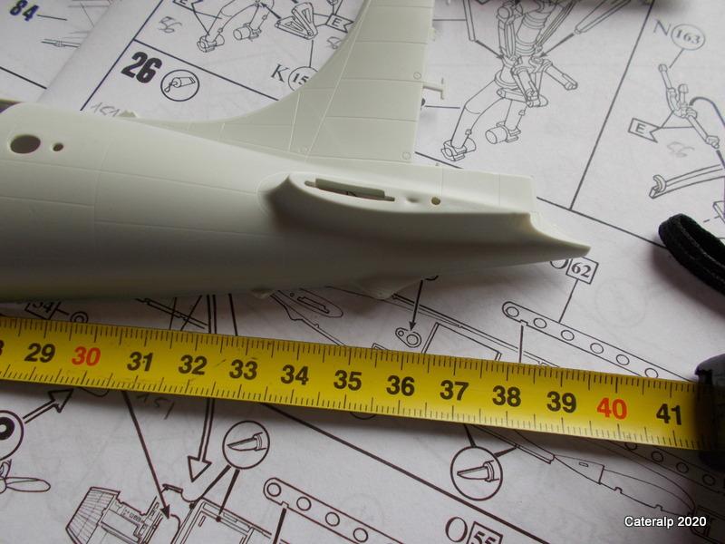 [REVELL] DOUGLAS DC 4 déco AIR FRANCE Réf  04877 - Page 2 Cote_d10