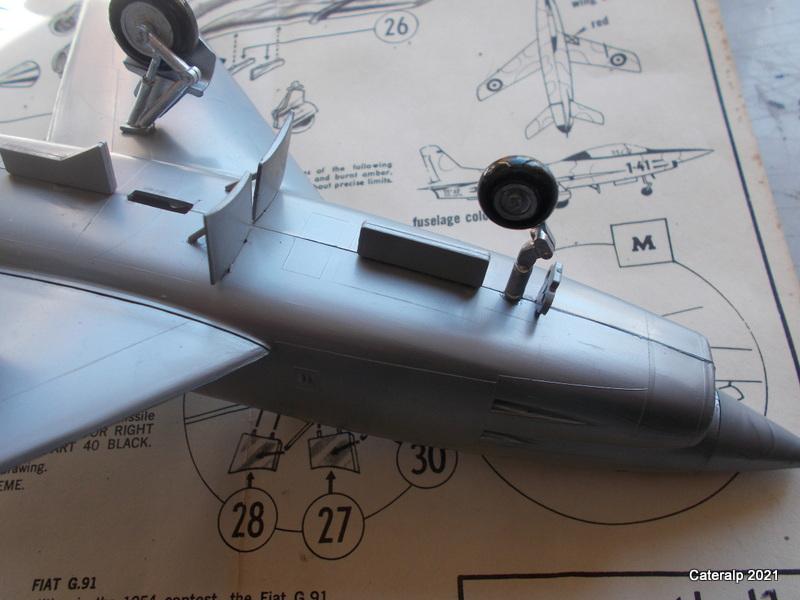 Montage chrono [HELLER BUZC0] FIAT G91 1/50ème Réf 304.250 Montag51