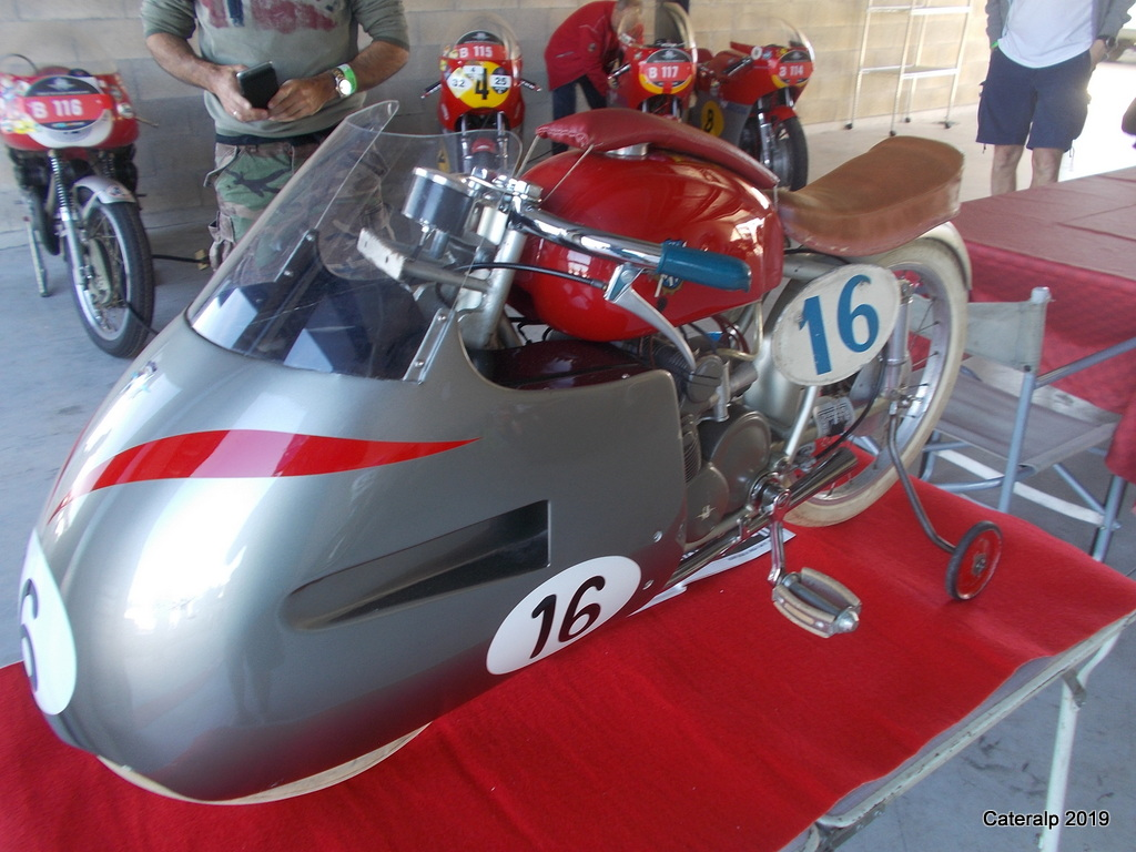 Les photos de Moto légende 2019 circuit de Dijon Prenois  Moto_l71