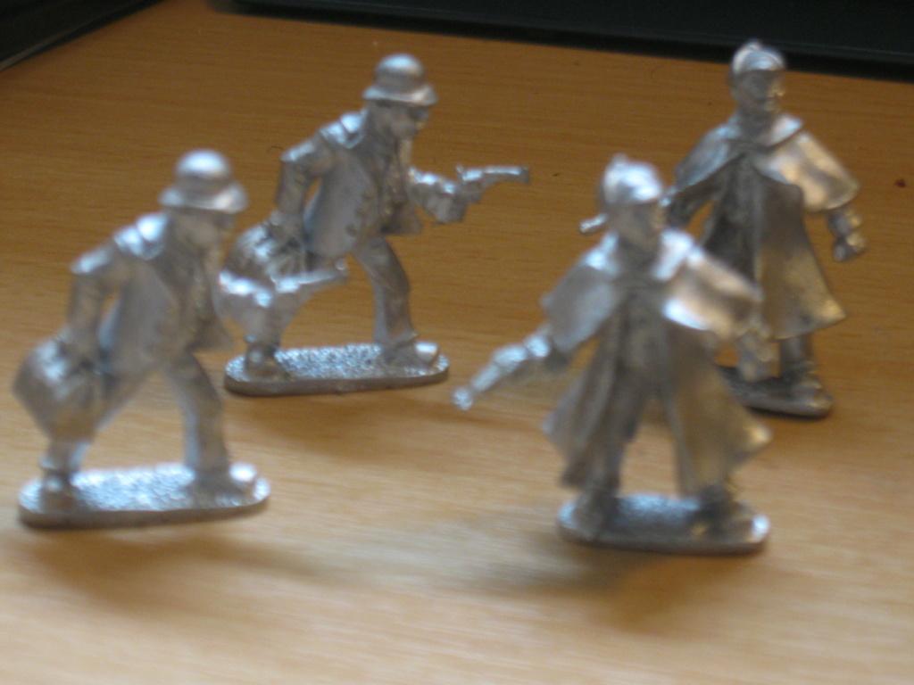 Highgate Miniatures Holmes10