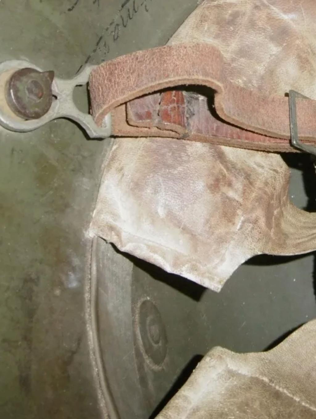 Casque M16 avec coiffe à bandeau métallique encore jamais  vu... Scree193