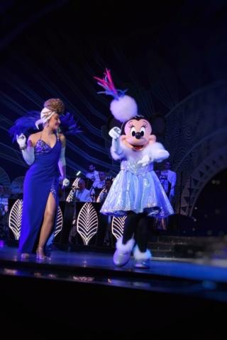 [Saison] Le Noël Enchanté Disney : une célébration Mickeyfique (2018-2019) - Page 11 Sam_0114