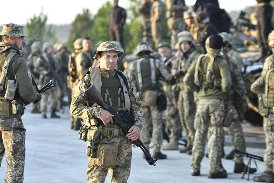 Modern Ukrainian uniform in photographs - Page 31 0d16ef10