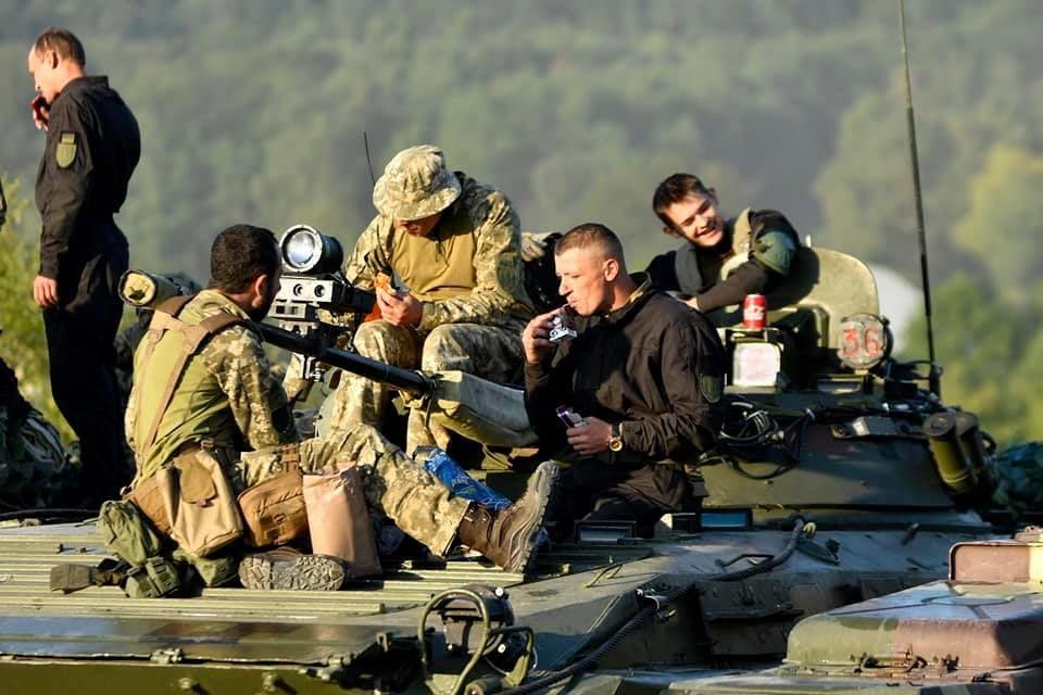 Modern Ukrainian uniform in photographs - Page 31 0fb64610