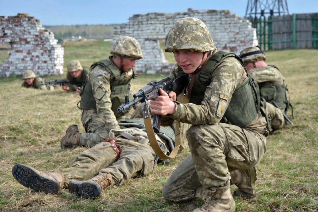 Modern Ukrainian uniform in photographs - Page 30 34558811