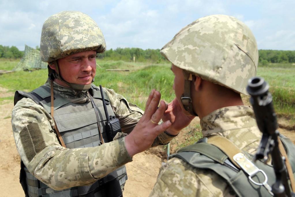 Modern Ukrainian uniform in photographs - Page 31 34558913