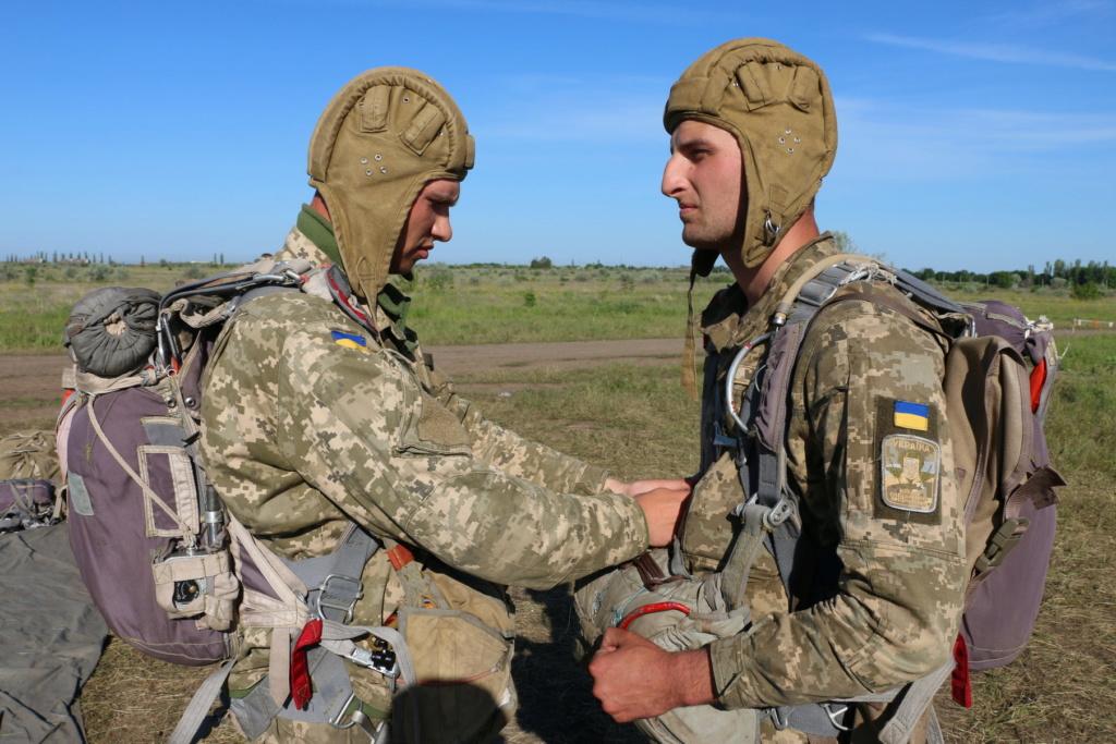 Modern Ukrainian uniform in photographs - Page 31 34559010