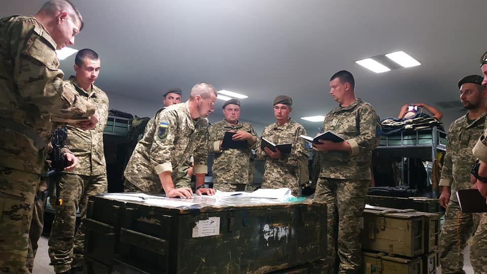 Modern Ukrainian uniform in photographs - Page 31 38e22410