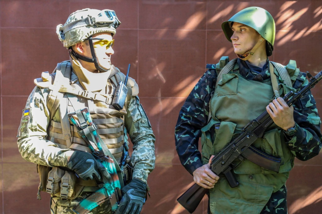 Modern Ukrainian uniform in photographs 39900010