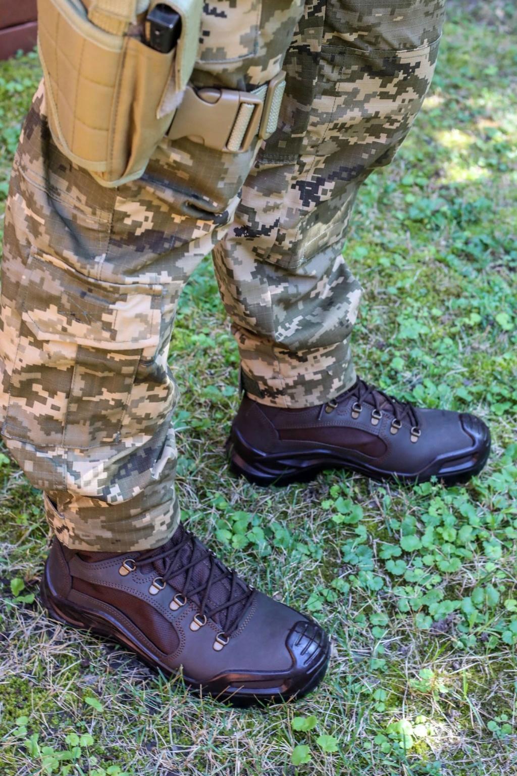 Modern Ukrainian uniform in photographs 39917910